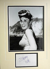 STEFANIE POWERS - TOP AMERICAN ACTRESS - STUNNING SIGNED PHOTO DISPLAY