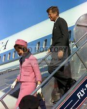 PRESIDENT JOHN F. KENNEDY & JACKIE ARRIVE IN DALLAS 112263 - 8X10 PHOTO (BB-851)