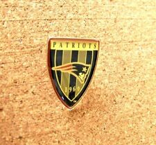 1993 NE New England Patriots shield NFL lapel pin c30423