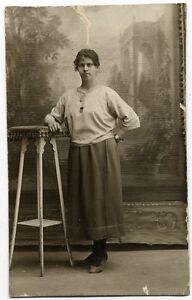 CP  Photos, Personnages Anonymes, Portrait de Femme  ( pas d'indications ) (3)
