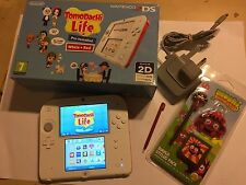 NINTENDO RED & WHITE 2DS CONSOLE +CHARGER SYLUS SD AR CARDS +TOMODACHI LIFE GAME