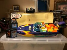 Tyco R/C Sea Arrow with Electric Outboard Motor 2 Power Options & Charger