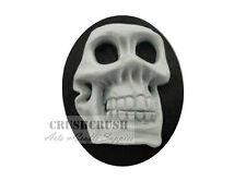 Free Ship--2pcs 3D Skeleton Skull Cameo Cabochon Flat Back Halloween GREY F1117A