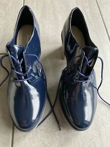Clarks Sumerset Ladies Blue Patent Heeled Shoes Size 7 1/2 D. New Without Box.