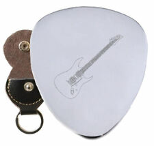 Stratocaster Steel Guitar Plectrum Pick Engraved in Keyring Holder
