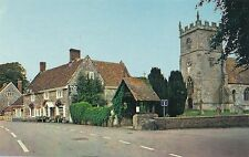 POSTCARD   HUNTS  WYLYE's  Chuch and Bell Inn