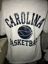 Tar Heels de Carolina del Norte baloncesto T Shirt para Hombre grandes tiendas de estudiante Gris