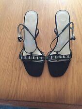 Clarks size 51/2 Ladies Kitten Heel Shoes