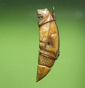 TOP THAI AMULET TIGER TOOTH LP PARN CARVE IN TIGER SHAPE RARE