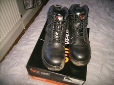 LIGHT YEAR SAFETY BOOTS SIZE 6