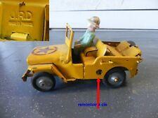 ancienne voiture en tole JRD made in france, jeep safari et personnage jrd
