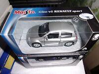 MAISTO 1/36 RENAULT SPORT CLIO V6 GRISE MOTORIZED NEUF EN BOITE