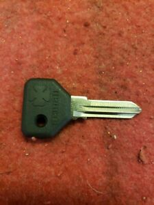 Alfa Romeo Spider Key. Blank. 00605-17027.