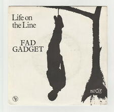 SP 45 TOURS FAD GADGET LIFE ON THE LINE en 1982 MUTE 101693