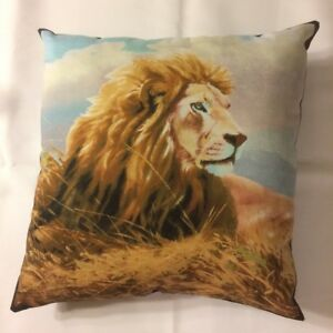 NEW COMPLETE 15 X 15 MAJESTIC MALE LION ON WILDLIFE THEME PILLOW Style #2