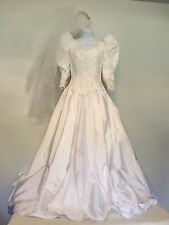 1980's Beaded Wedding Dress  Size 8  Seed pearl sequins with veil V neck zip EUC
