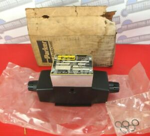 Parker D3W4C1Y DIRECTIONAL CONTROL VALVE 120V, 3000 PSI (NEW in BOX)