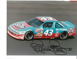 Autographed Richard Petty NASCAR Auto Racing Photograph