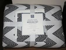 5PC NWT Pottery Barn Teen DORM ZIG ZAG STRIPE COMFORTER SET, TWIN XL, BLACK, NEW