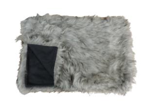 H&M Faux Fur Blanket Grey 110 x 150 cm SS07 56