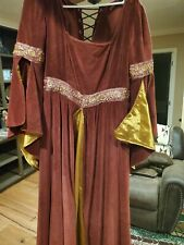 Womans Medeival dress and Cloak Size (M)