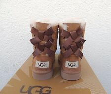 UGG CHESTNUT BAILEY BOW SUEDE/ SHEEPSKIN BOOTS, TODDLER GIRL US 11/ EUR 28  ~NIB