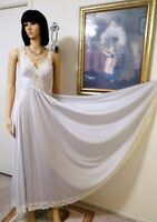 "OLGA vintage ""Gold Designer Collection"" SILVER & LACE Nightgown size Petite"