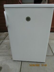 Zanussi undercounter Fridge with Freezer Box ZRT1546