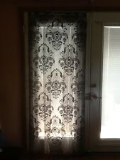 HERITAGE LACE BLACK HALLOWEEN SKULL AND ROSES DOOR/CURTAIN WITH FRINGE A6
