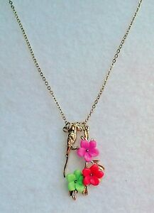 NOVELTY NECKLACE - GOLD TONE PARROT WITH BRIGHT FLOWERS