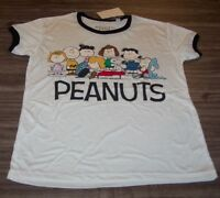 WOMEN'S TEEN Peanuts SNOOPY CHARLIE BROWN LUCY LINUS T-shirt SMALL NEW w/ TAG