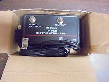 P.I.I Model 10-8320 Tv Vcr Video Distribution Amp 117 V 60Hz 3.6W Input/output
