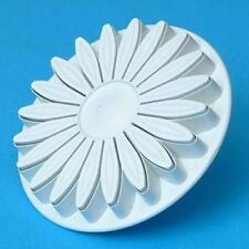 MisterChef® Single Sunflower Plunger Cutter