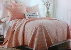 NIP Cynthia Rowley Follow Your Heart Coral/White Twin Quilt Set 3pc