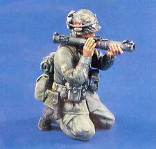 Verlinden 54mm (1/35) M72 LAW Gunner Soldier Firing Anti-Tank Weapon Vietnam 444