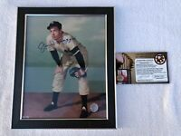 Major League Baseball Autograph HOF Joe DiMaggio New York Yankee w/ COA