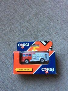 ERF FIRE TENDER RED / SILVER CORGI +/-1:72 * BOXED *