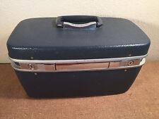 Vintage Train Case Carry On Make Up Luggage Hardcase Royal Traveler Made in USA