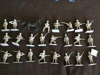 Civil War Confederate toy soldiers 23 gray plastic Rebel Soldiers & 1 Horse