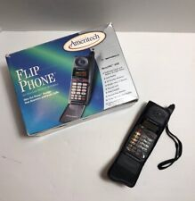 TESTED WORKS Motorola MicroTAC 650e Flip Cell Phone w/ Charger, Manual, and More