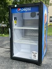 Qbd R 290 Beverage Cooler Commercial Grade Refrigerator Brand New With Manual