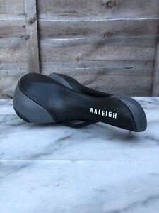 Raleigh Mountain Bike/Bicycle Seat / Saddle, Black, Comfort