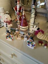 A SELECTION OF CHRISTMAS ORNAMENTS