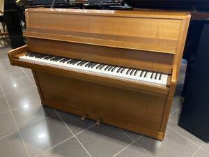 Seiler Klavier, Mod. 108, Nussbaum satiniert, 3 J. Garantie