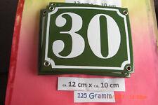 Hausnummer Nr.30 weiße Zahl auf gras - grünem Hintergrund 12 cm x 10 cm Emaille