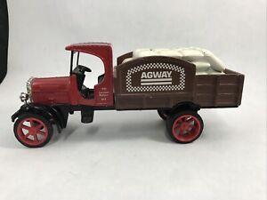 "Agway Diecast Metal Truck Bank Ertl Kenworth Motor Trucks 7"" Red Still Bank"