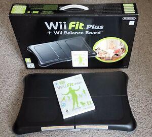 Original Nintendo Balance Board in Schwarz mit Wii Fit Plus mit OVP