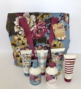 Joules Blooming Brilliant Weekend Flower Design Bag 100% Cotton - And Toiletries
