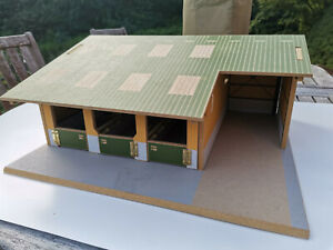 BRUSHWOOD TOYS 1:32 SCALE PIG SHED (BT8940) FARM SCENARY