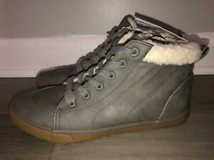 NEW Cat & Jack Grey Barnett Fashion High Top Sneaker Boots Boy's Youth Size 5